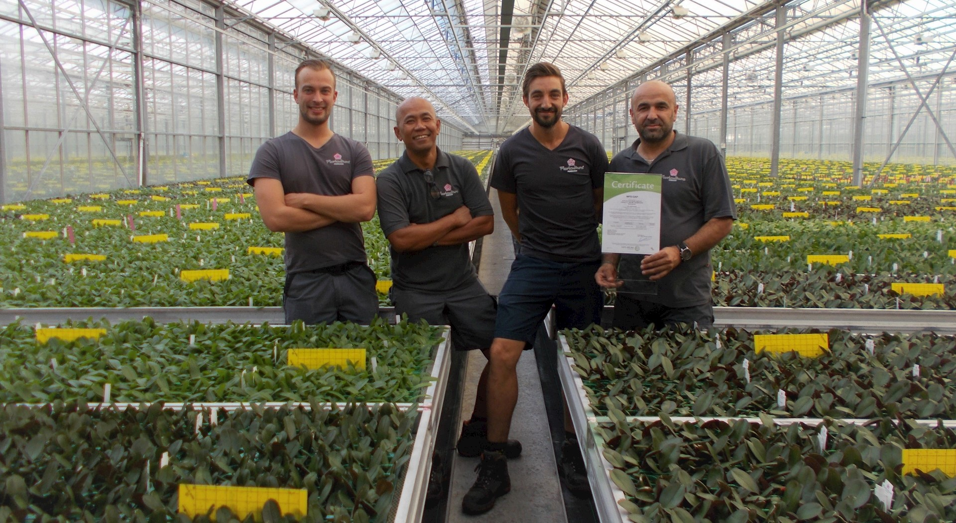 Floricultura employees proud of the MPS-GAP certificate.